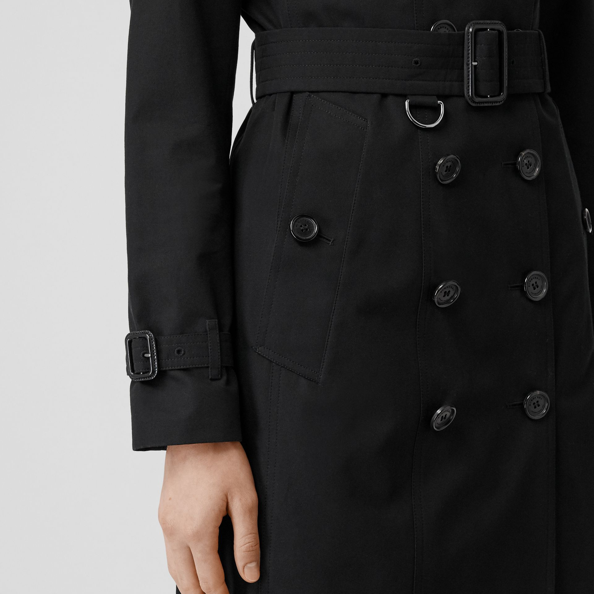 The Sandringham – Long Trench Coat in Black - Women | Burberry Singapore - gallery image 6