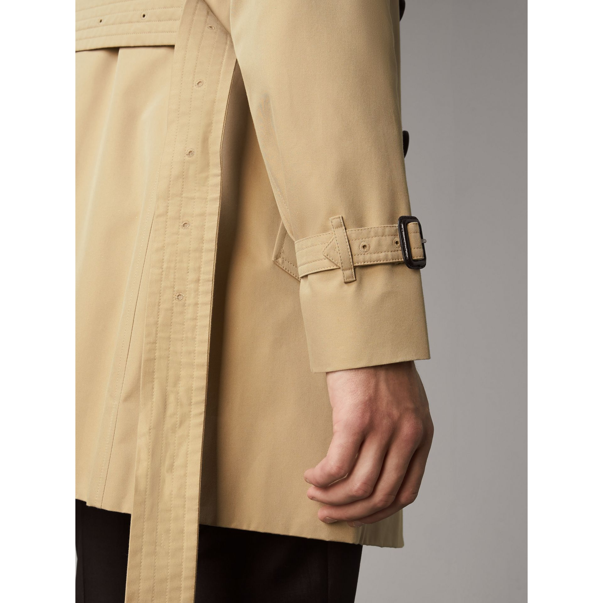 The Sandringham – Mid-length Trench Coat in Honey - Men | Burberry Singapore - gallery image 4