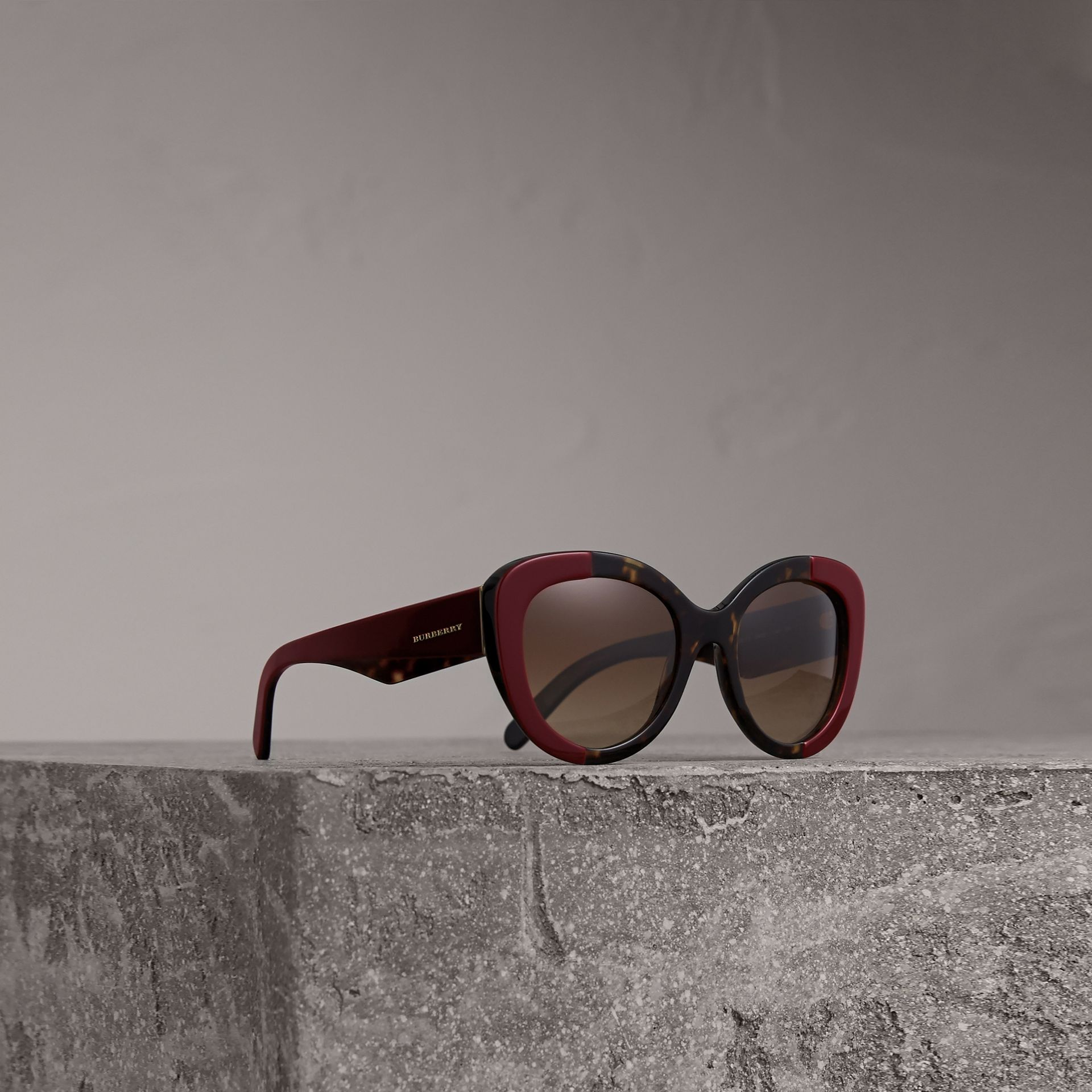 Round Frame Sunglasses in Burgundy - Women | Burberry Canada - gallery image 0