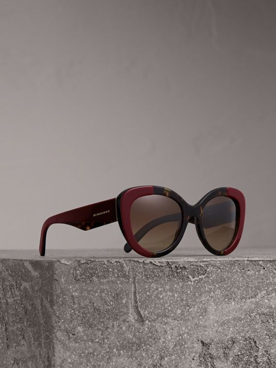 Round Frame Sunglasses in Burgundy