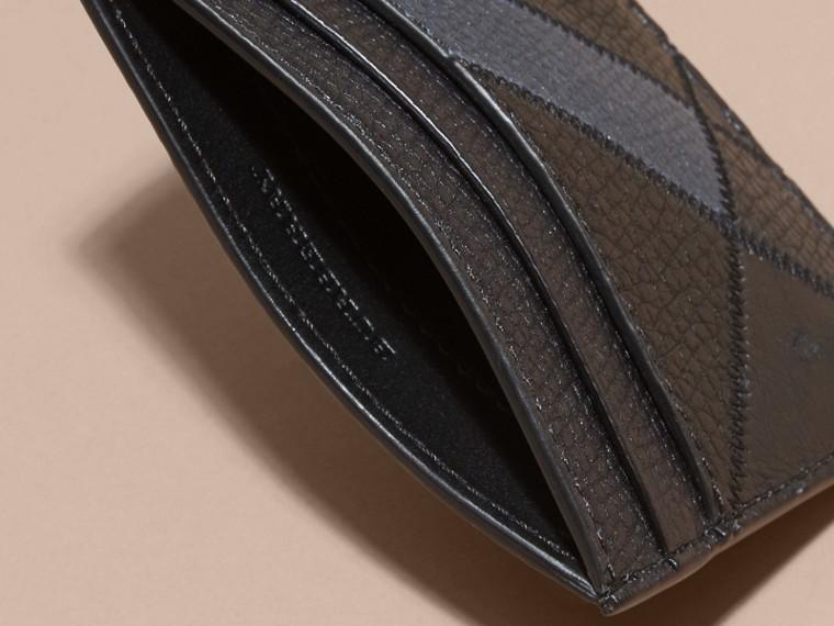 Azul marino oscuro Tarjetero en panales de piel granulada y piel de avestruz - cell image 4