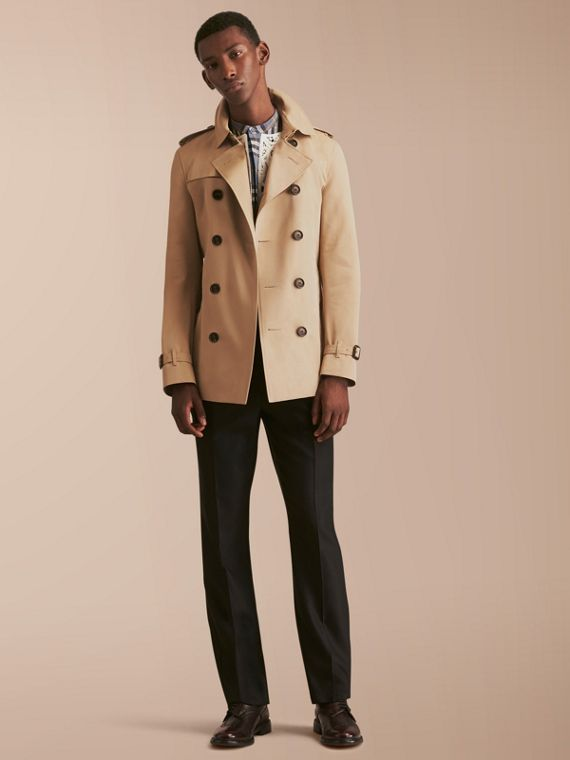 The Chelsea – Short Heritage Trench Coat in Honey - Men | Burberry Singapore