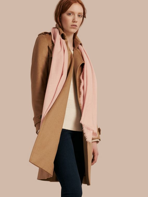 The Lightweight Cashmere Scarf in Ash Rose | Burberry Australia - cell image 2