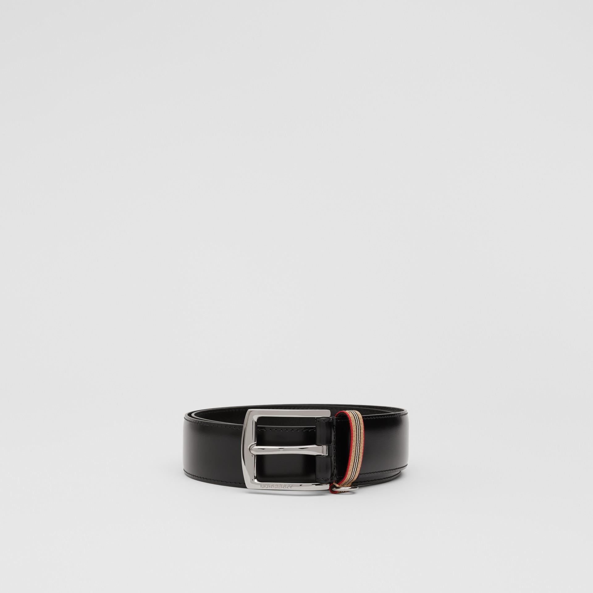 Cintura in pelle con dettaglio nell'iconico motivo a righe (Nero) | Burberry - immagine della galleria 3