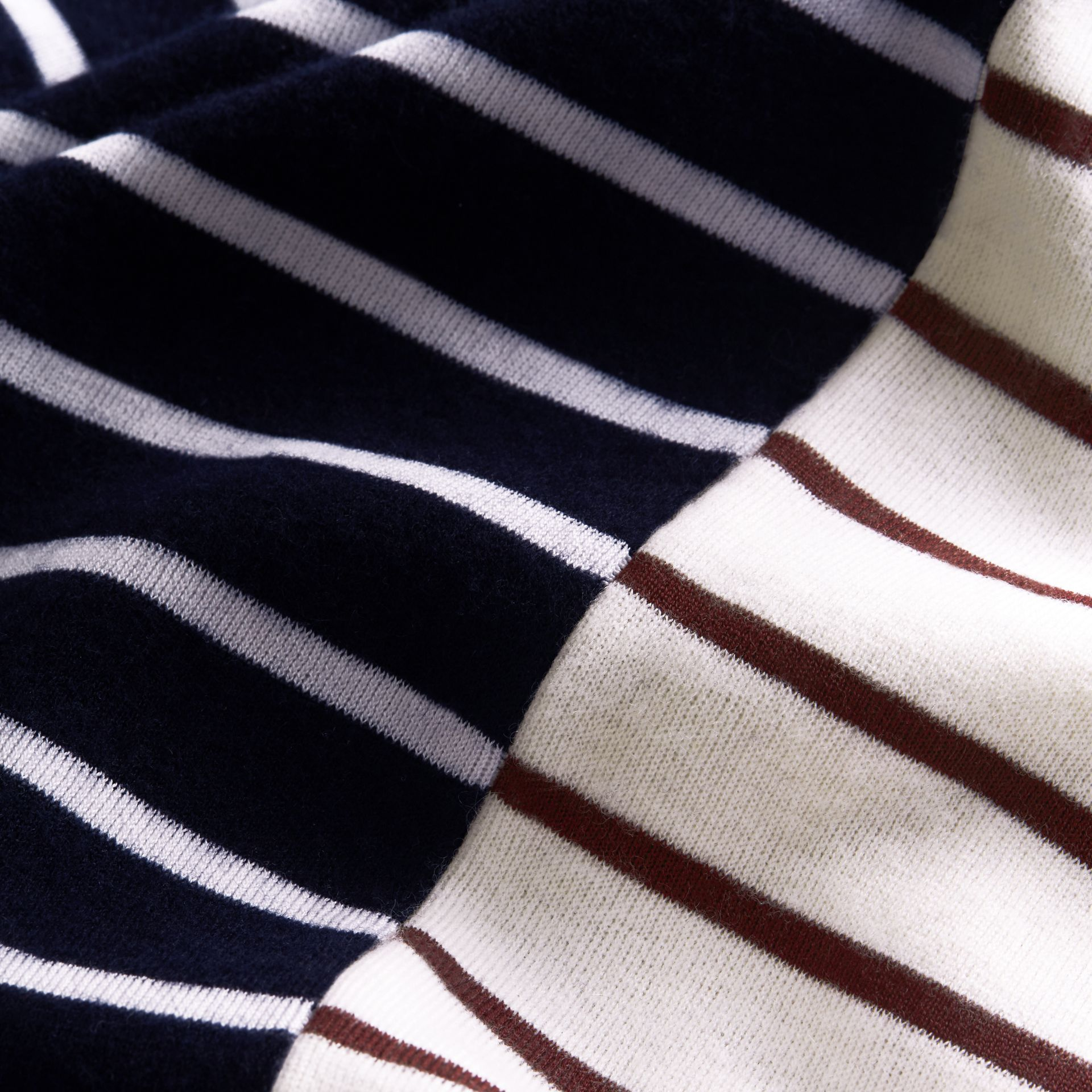 Contrast Stripe Cashmere Blend Sweater in Navy - Men | Burberry - gallery image 2