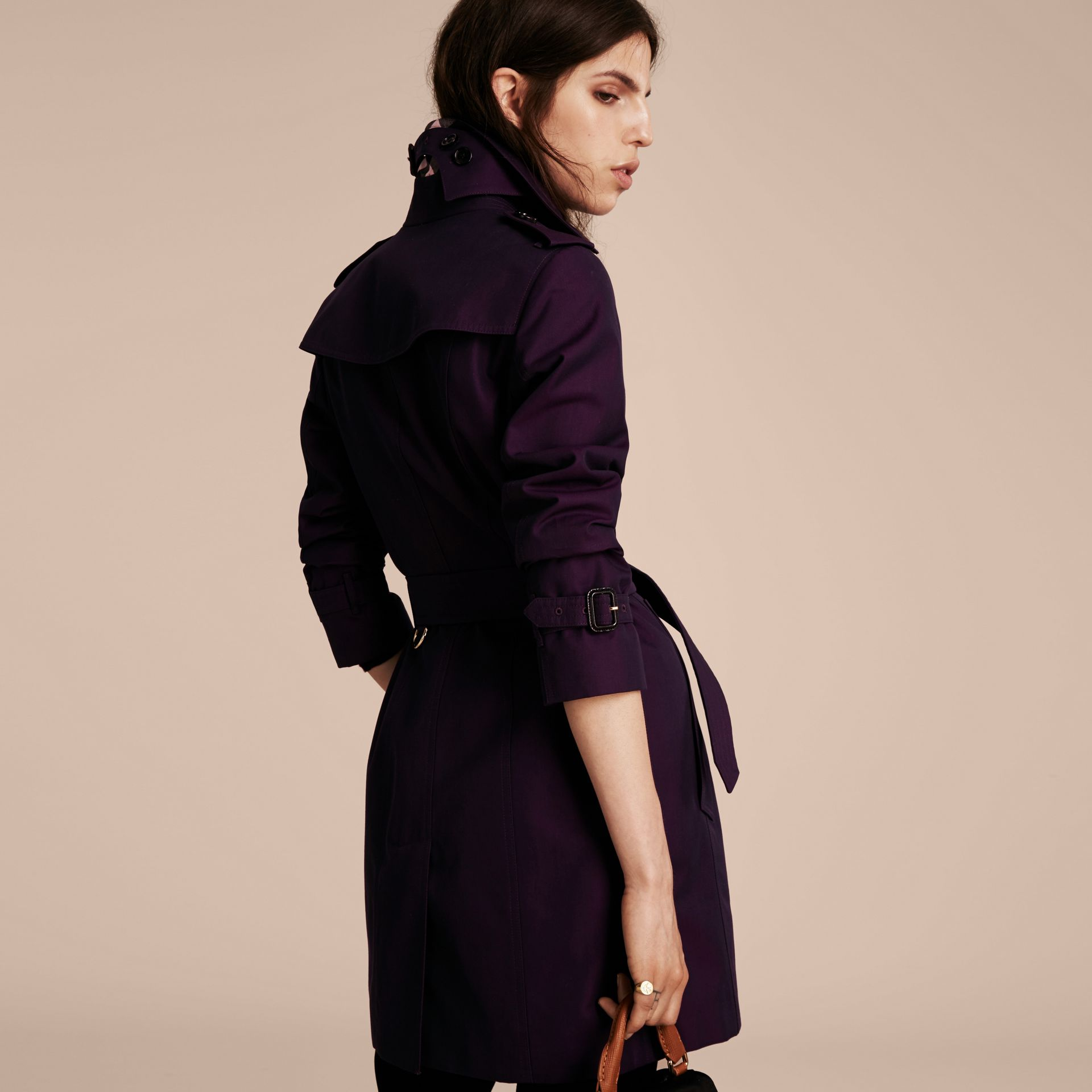 Dark purple Cotton Gabardine Trench Coat Dark Purple - immagine della galleria 3