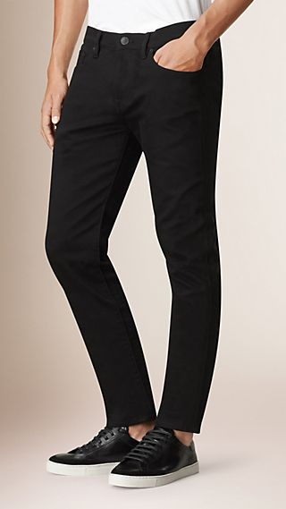 Jean denim extensible de coupe étroite