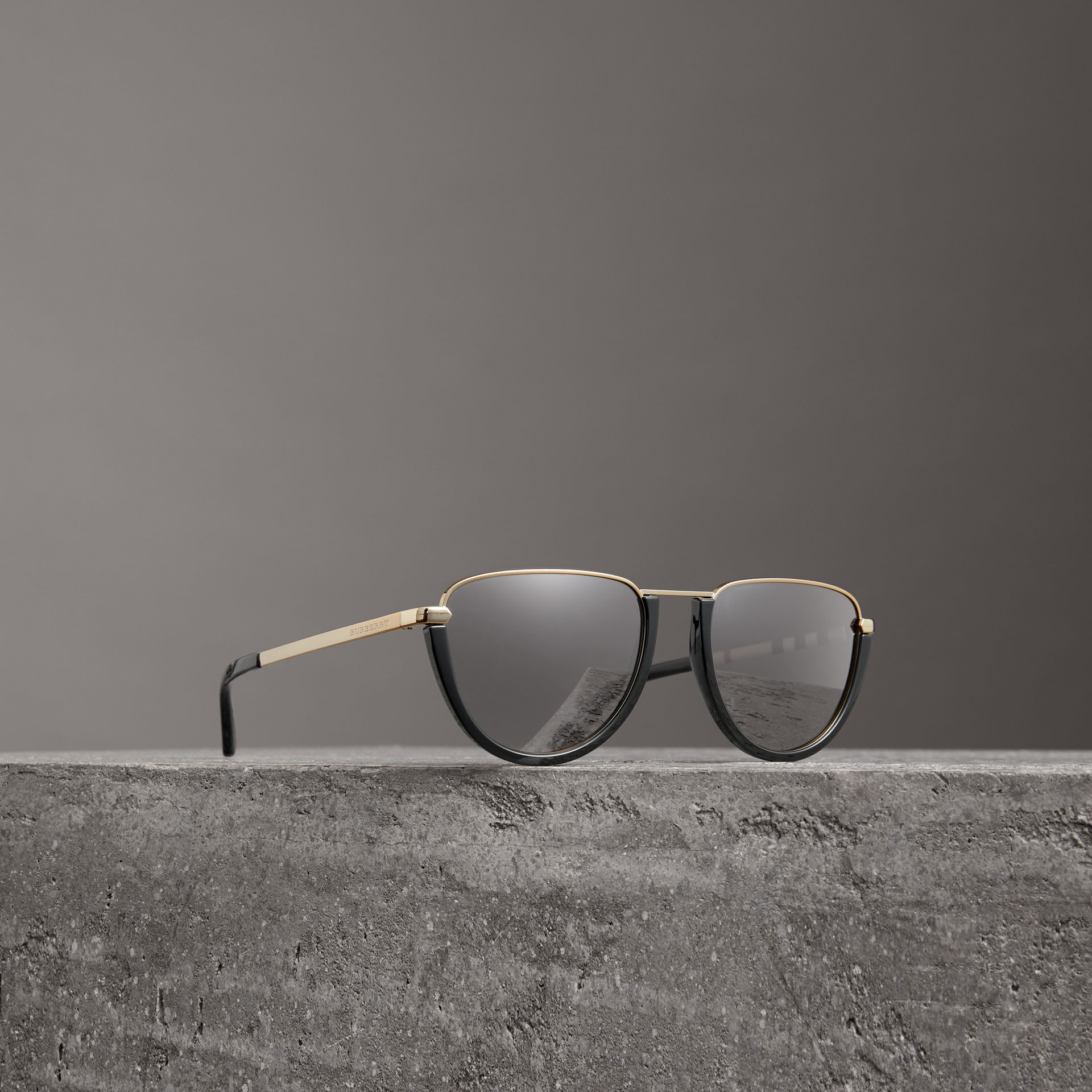 Half Moon Pilot Round Frame Sunglasses in Black - Women | Burberry United Kingdom - gallery image 0