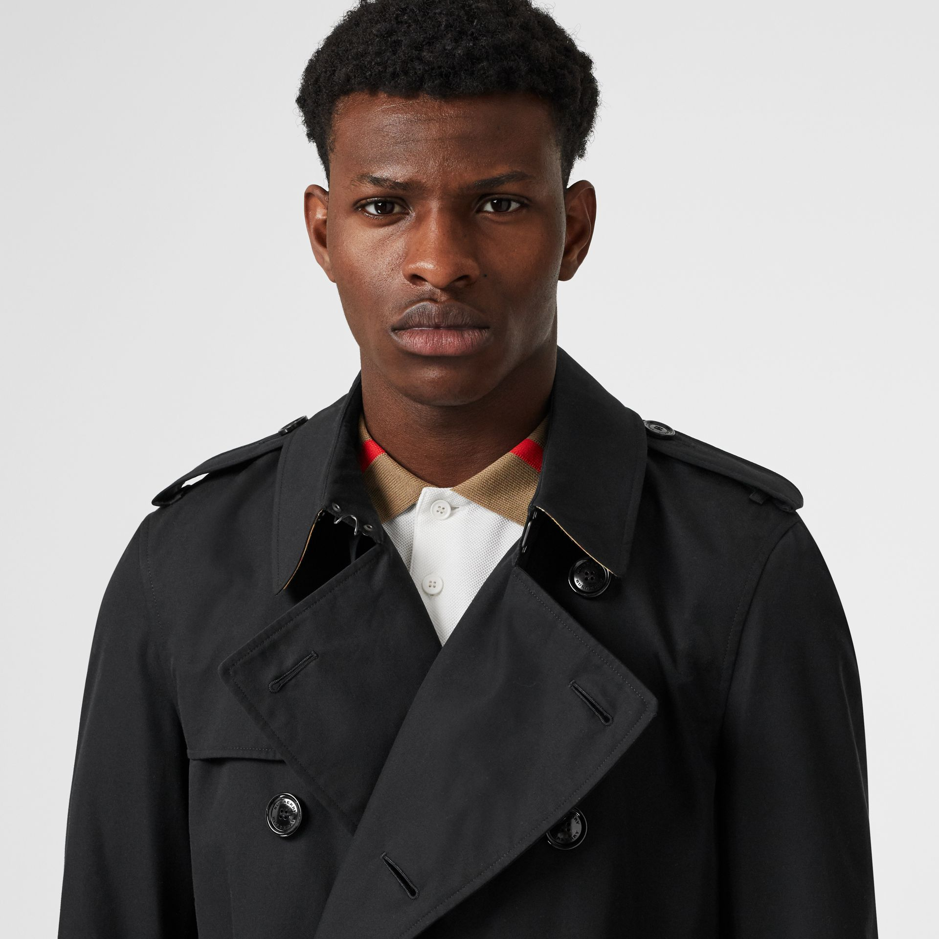 The Chelsea Heritage Trench Coat in Black - Men | Burberry Canada - gallery image 1