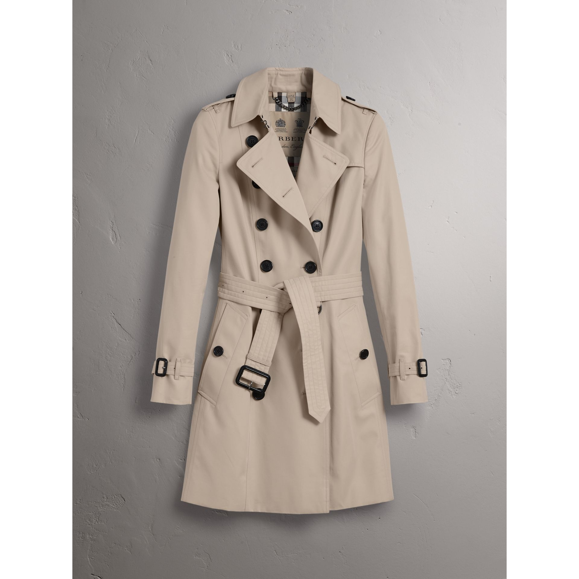 The Chelsea – Mid-length Trench Coat in Stone - Women | Burberry Canada - gallery image 4
