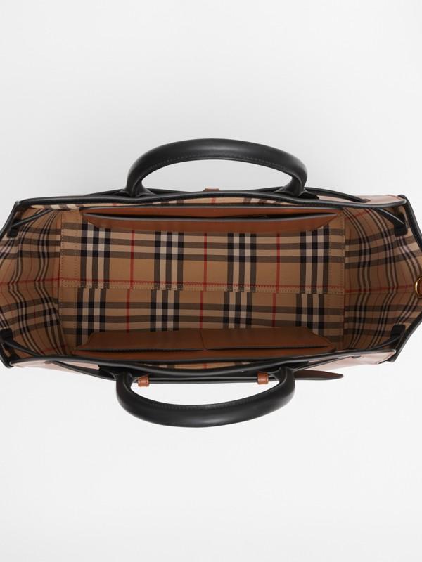 Кожаная сумка Belt, средний размер (Солодовый) - Для женщин | Burberry - cell image 3