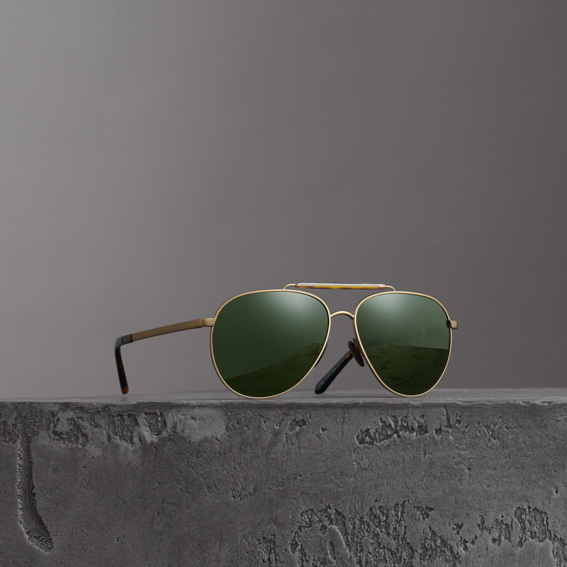 Top Bar Detail Pilot Sunglasses in Green - Men | Burberry - gallery image 0