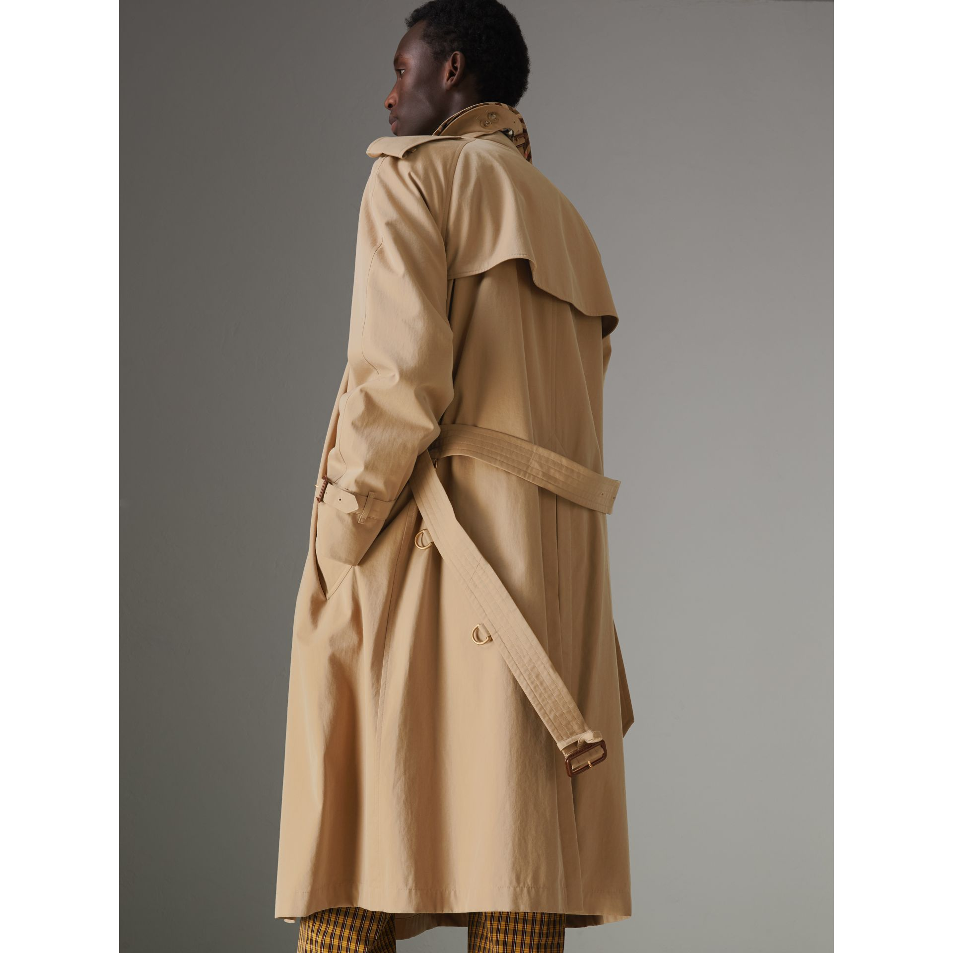The Westminster Heritage Trench Coat in Honey - Men | Burberry Singapore - gallery image 2
