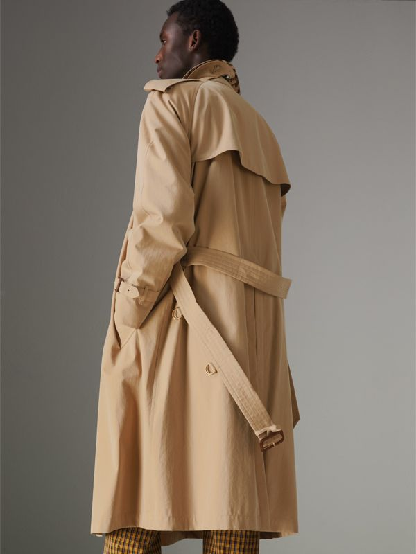 The Westminster Heritage Trench Coat in Honey - Men | Burberry United Kingdom - cell image 2