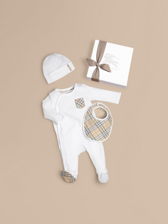 Check Cotton Three-piece Baby Gift Set in White - Boy | Burberry Canada