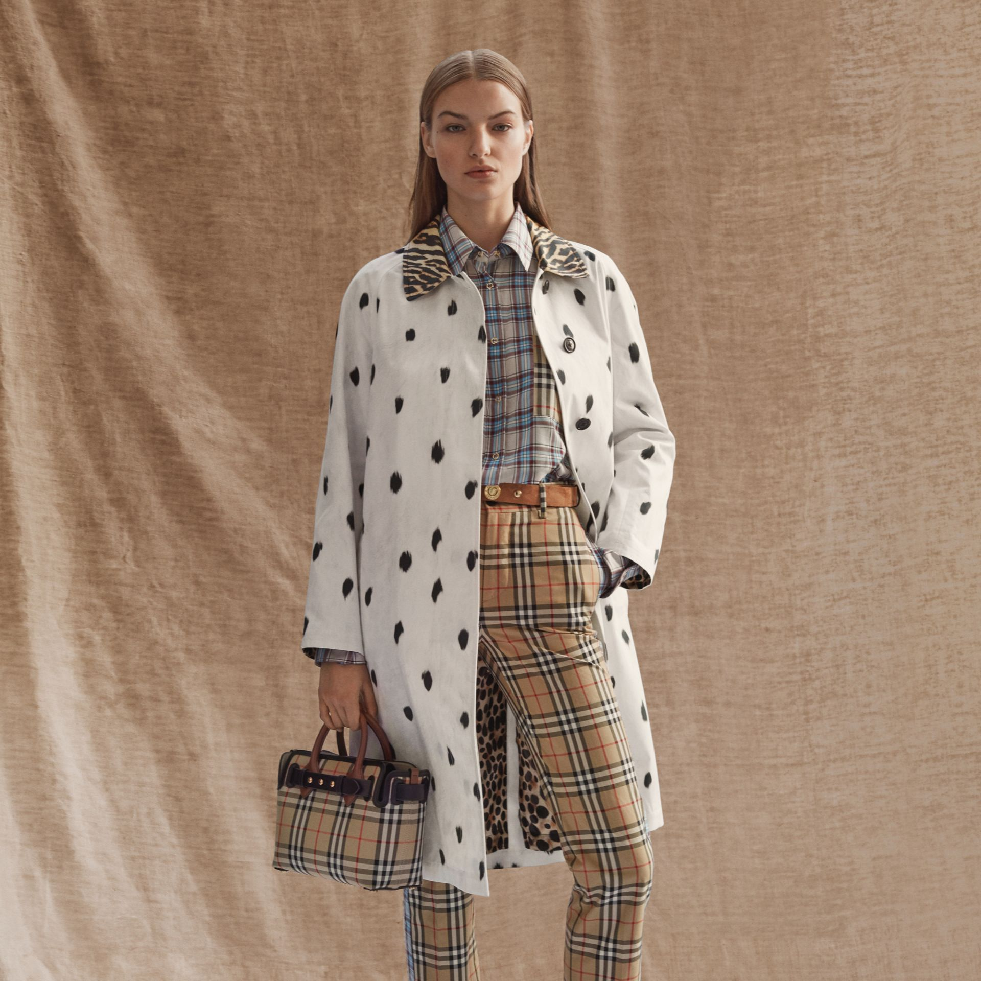 Pantalon droit en coton check (Beige D'archive) - Femme | Burberry - photo de la galerie 1