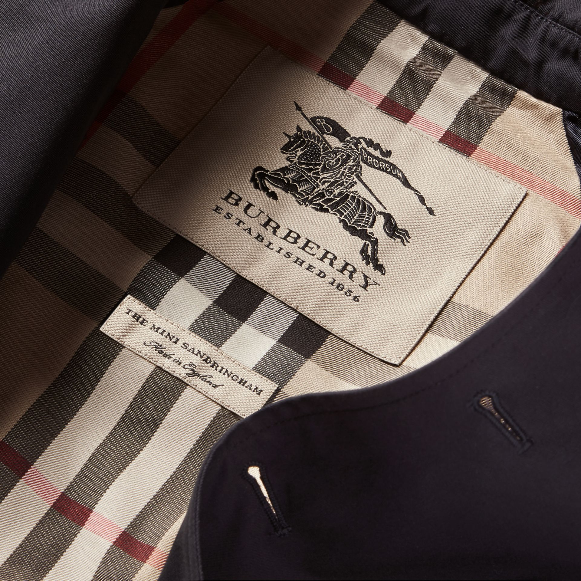 The Sandringham – Heritage Trench Coat in Navy - Girl | Burberry - gallery image 8
