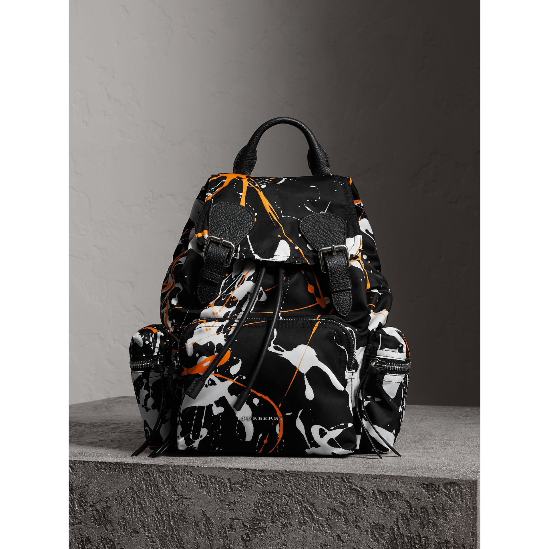 The Medium Rucksack in Splash Print in Black - Women | Burberry United Kingdom - gallery image 5