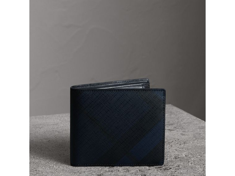 London Check International Bifold Coin Wallet in Navy/black - Men | Burberry Canada - cell image 4