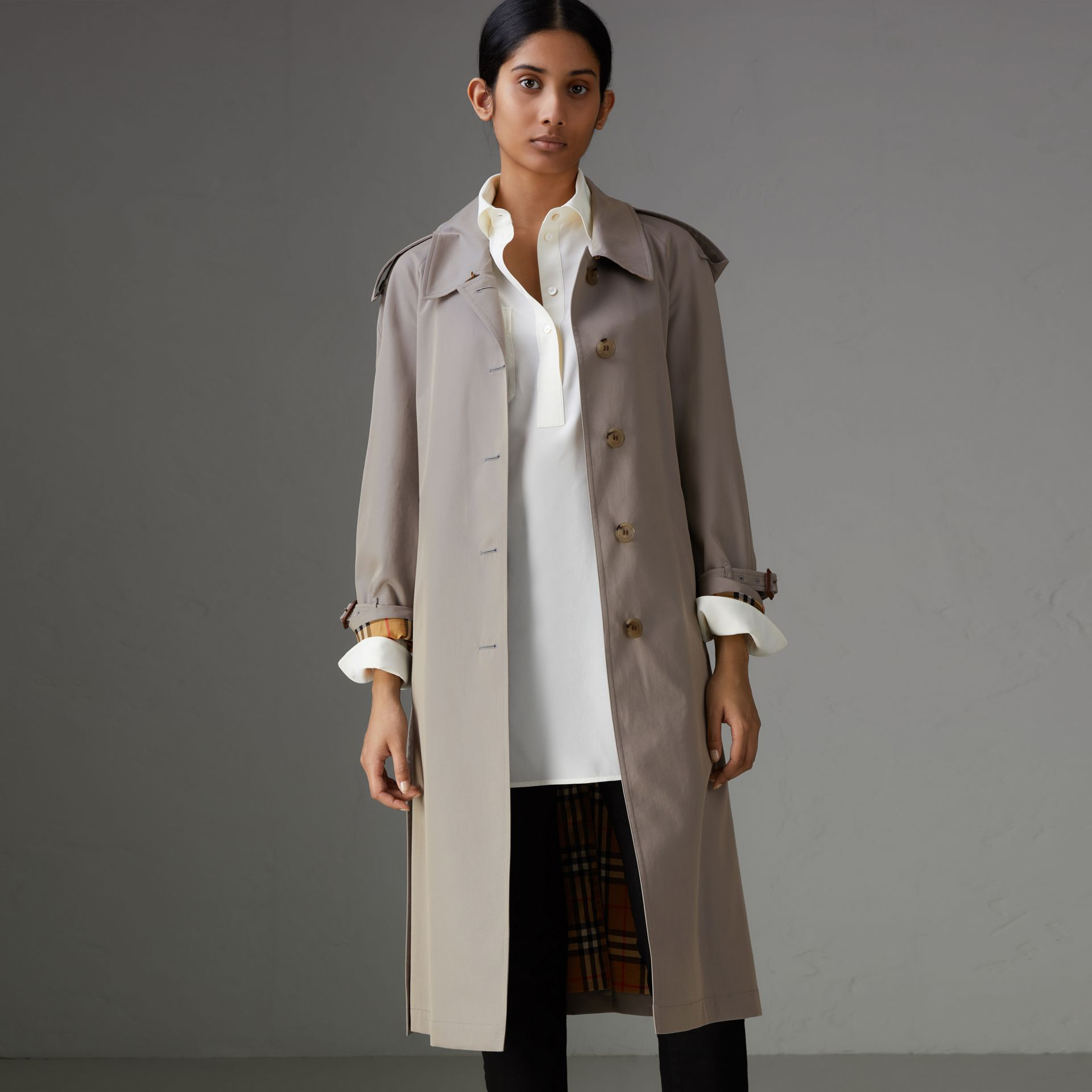Side-slit Tropical Gabardine Trench Coat in Green Grey - Women | Burberry - gallery image 4