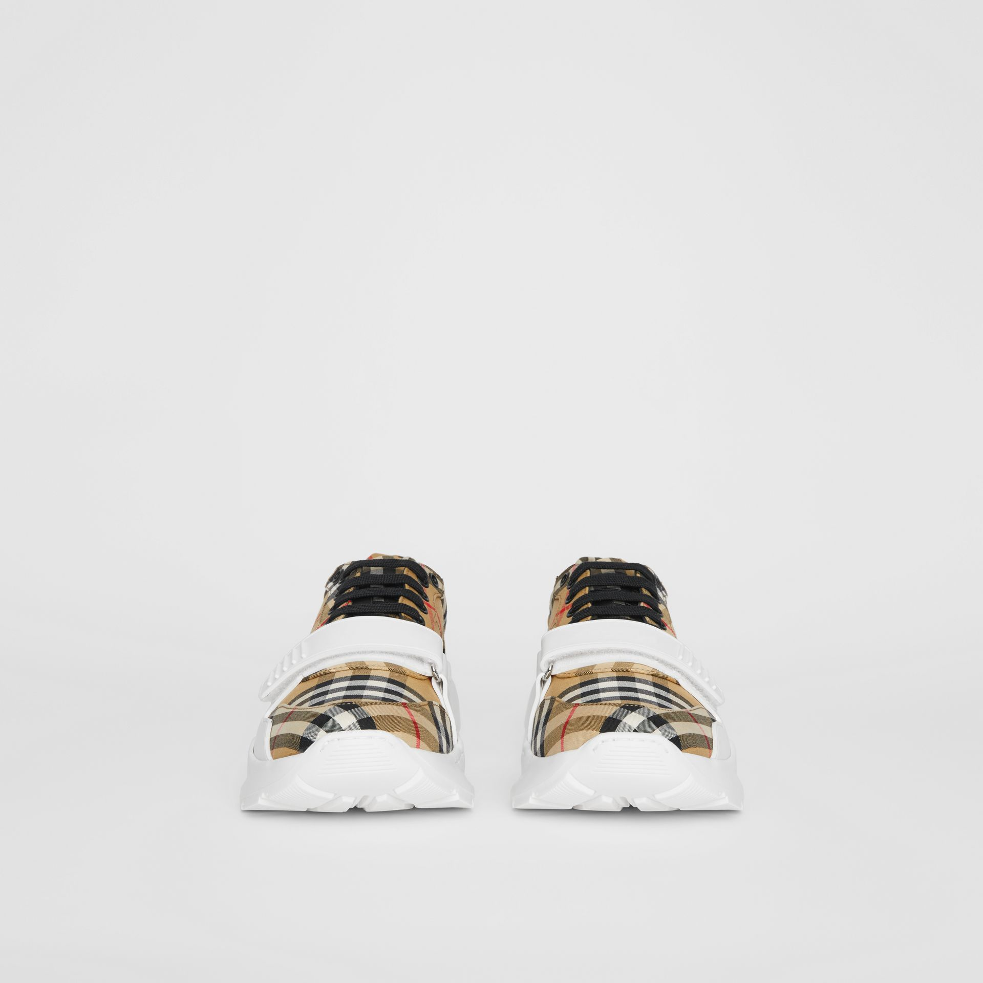 Sneakers en coton Vintage check (Jaune Antique) - Homme | Burberry Canada - photo de la galerie 3