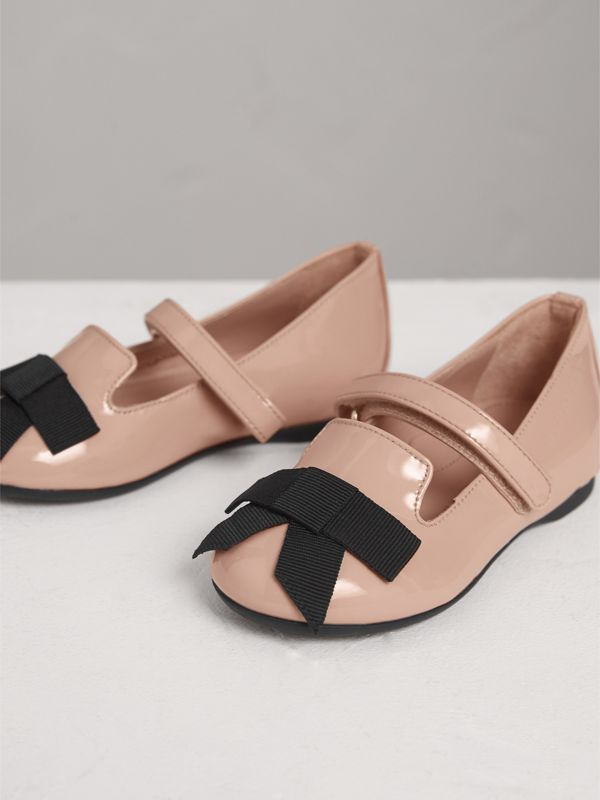 Bow Detail Patent Leather Ballerinas in Apricot Pink | Burberry - cell image 3