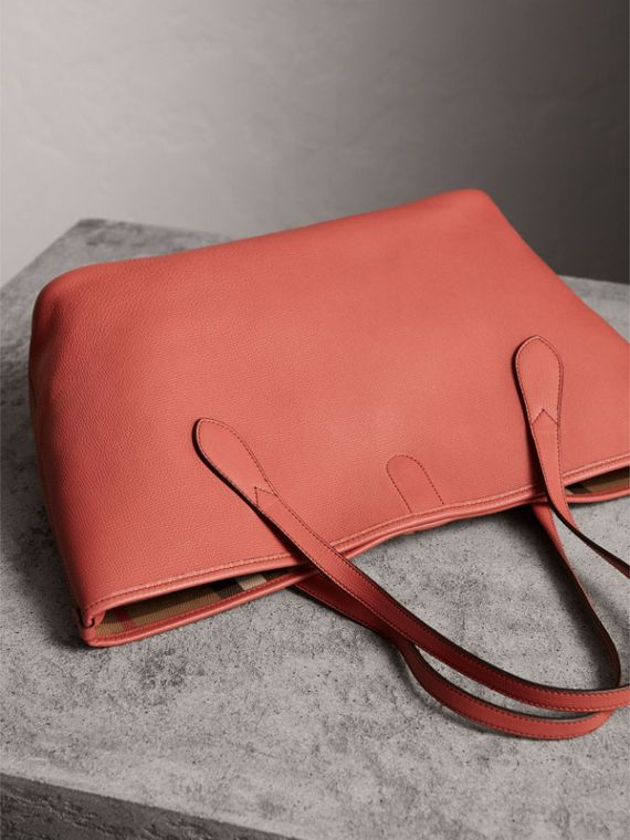Medium Grainy Leather Tote Bag in Cinnamon Red - Women | Burberry - cell image 3