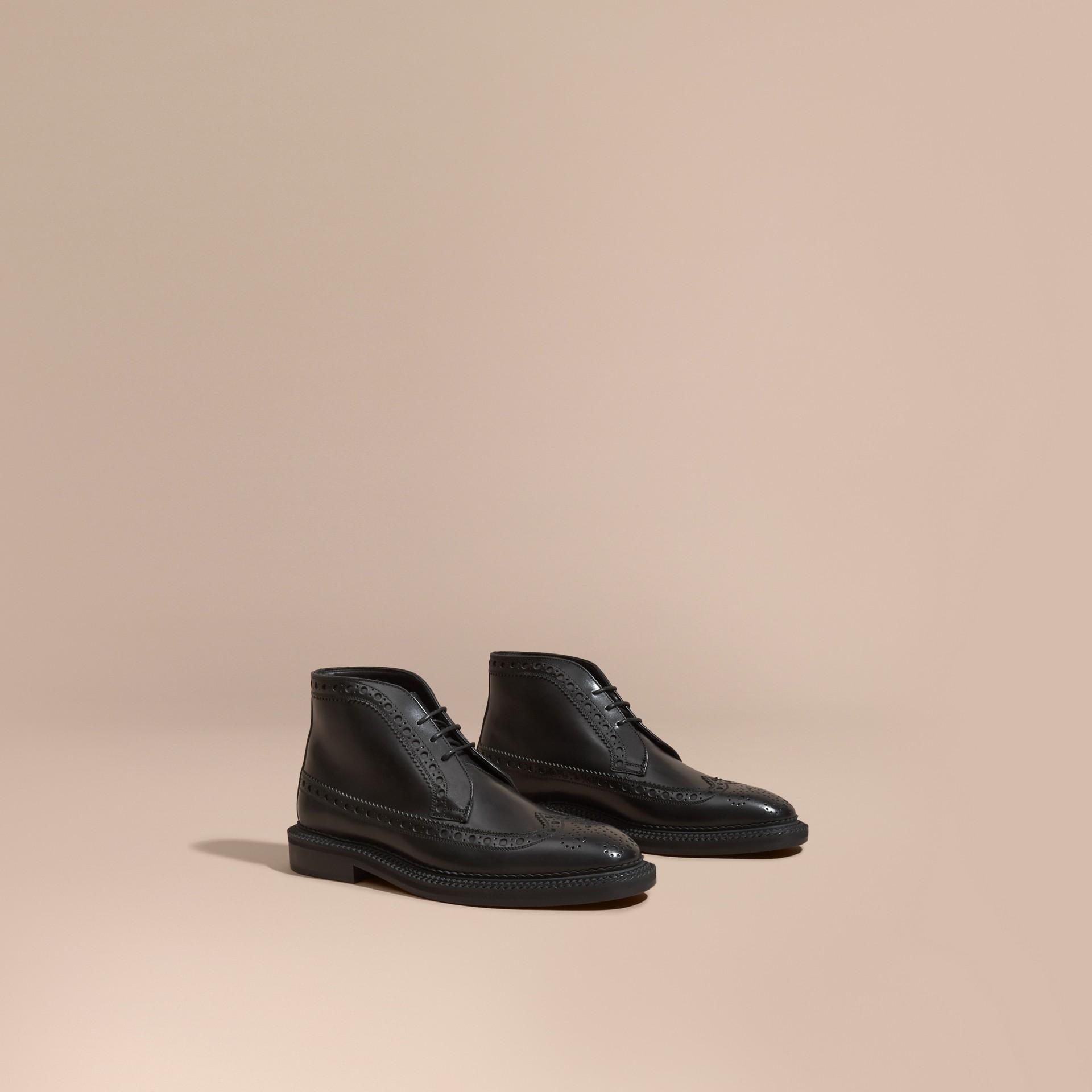 Noir Chaussures Richelieu montantes en cuir - photo de la galerie 1