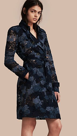 Trench coat de renda macramê floral italiana
