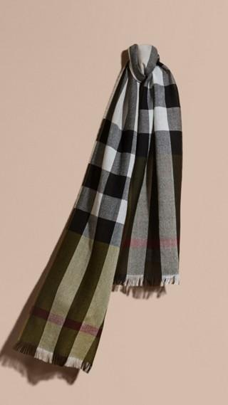 Écharpe en laine mérinos à motif check