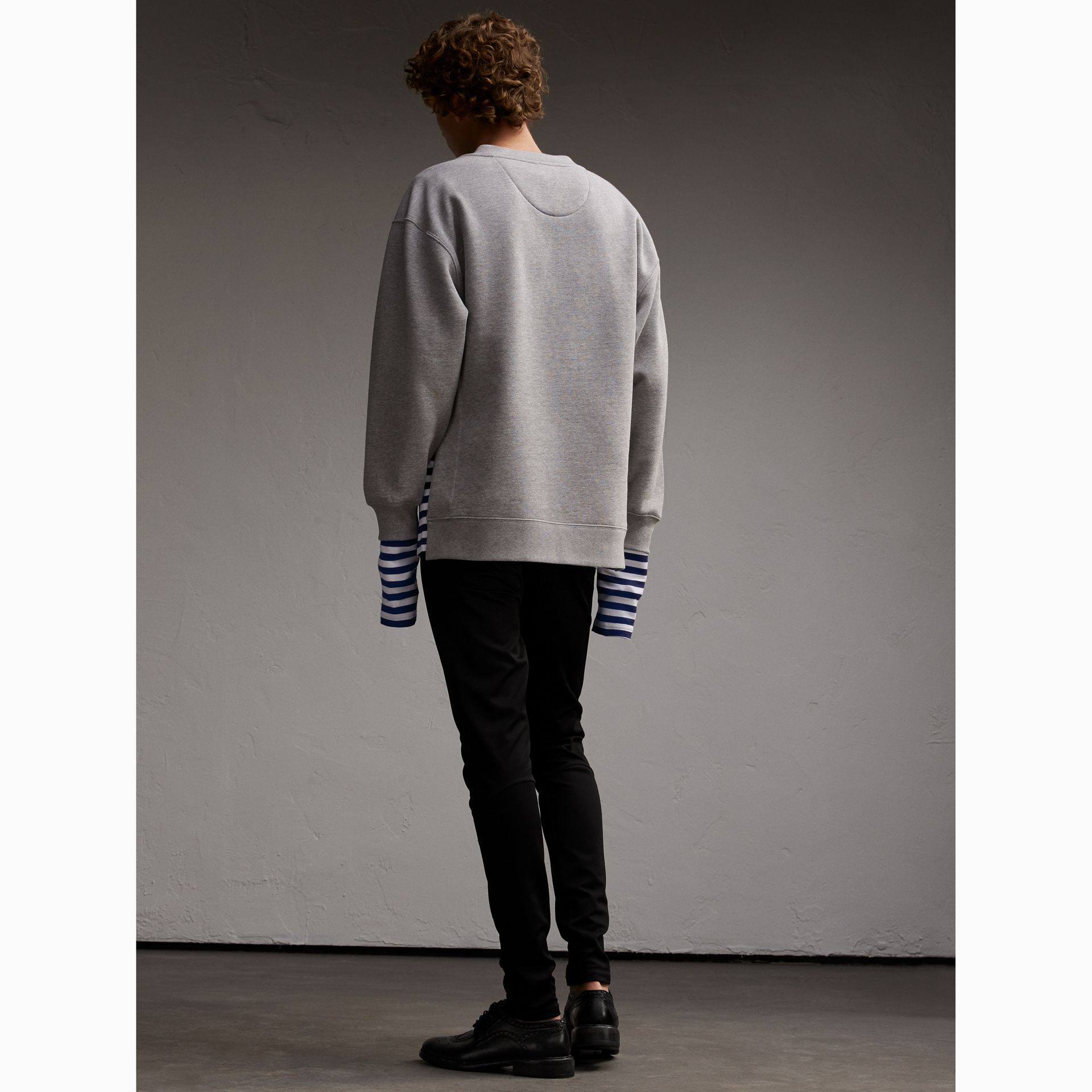 Unisex-Sweatshirt mit Streifenpanel aus Baumwollseide (Grau Meliert) - Herren | Burberry - Galerie-Bild 5