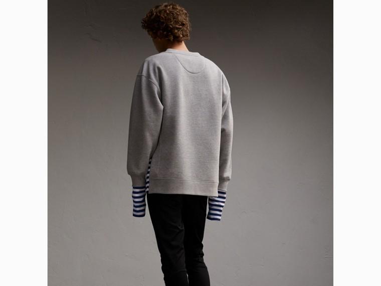 Unisex-Sweatshirt mit Streifenpanel aus Baumwollseide (Grau Meliert) - Herren | Burberry - cell image 4