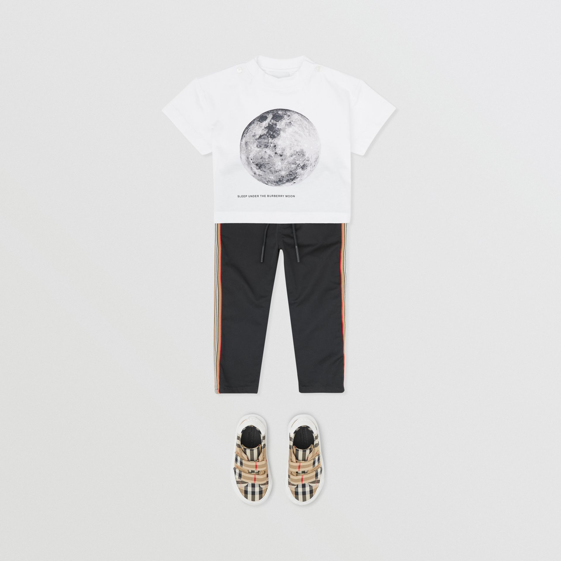 Moon Print Cotton T-shirt in White - Children | Burberry - gallery image 3