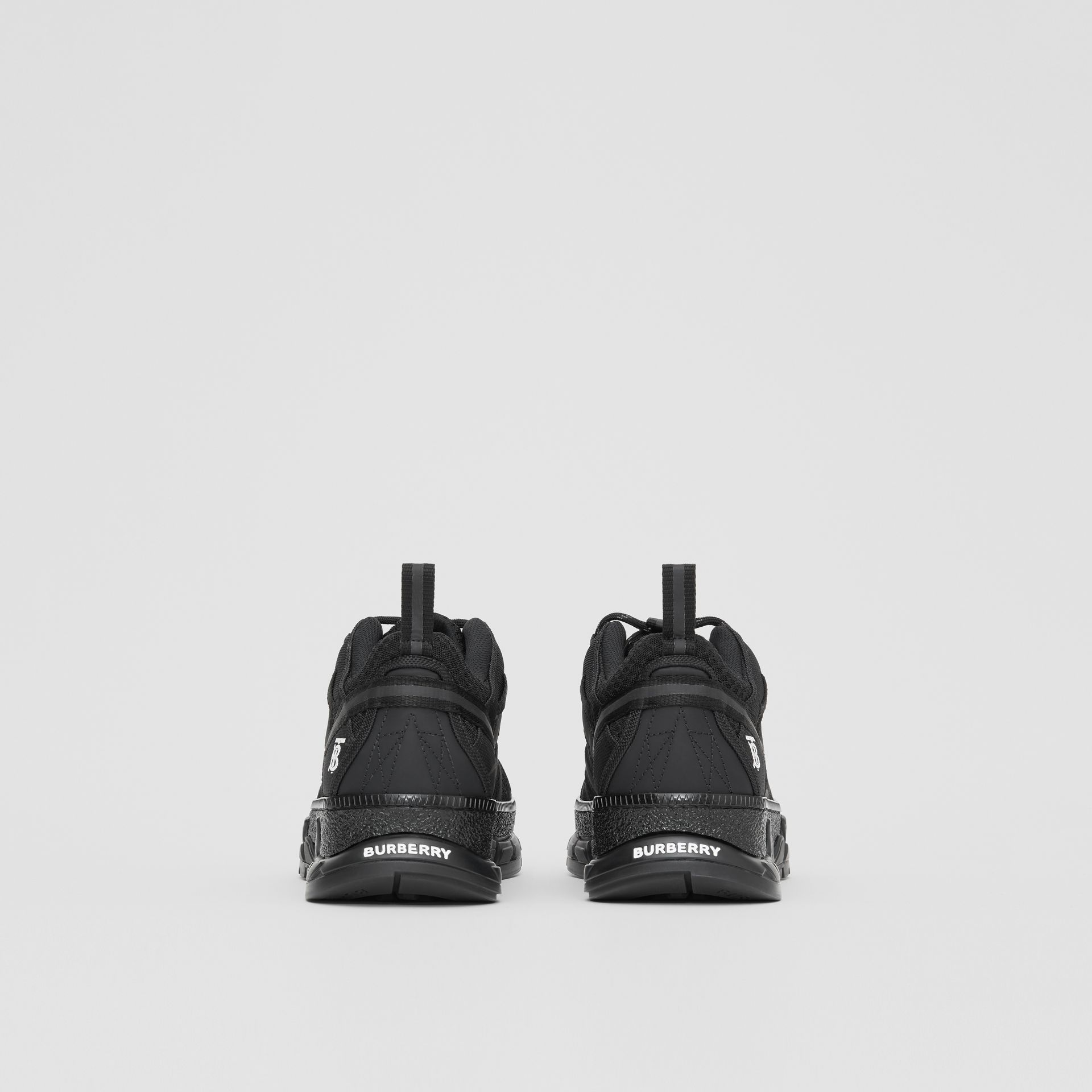 Sneakers en filet et nubuck (Noir) - Homme | Burberry - photo de la galerie 3