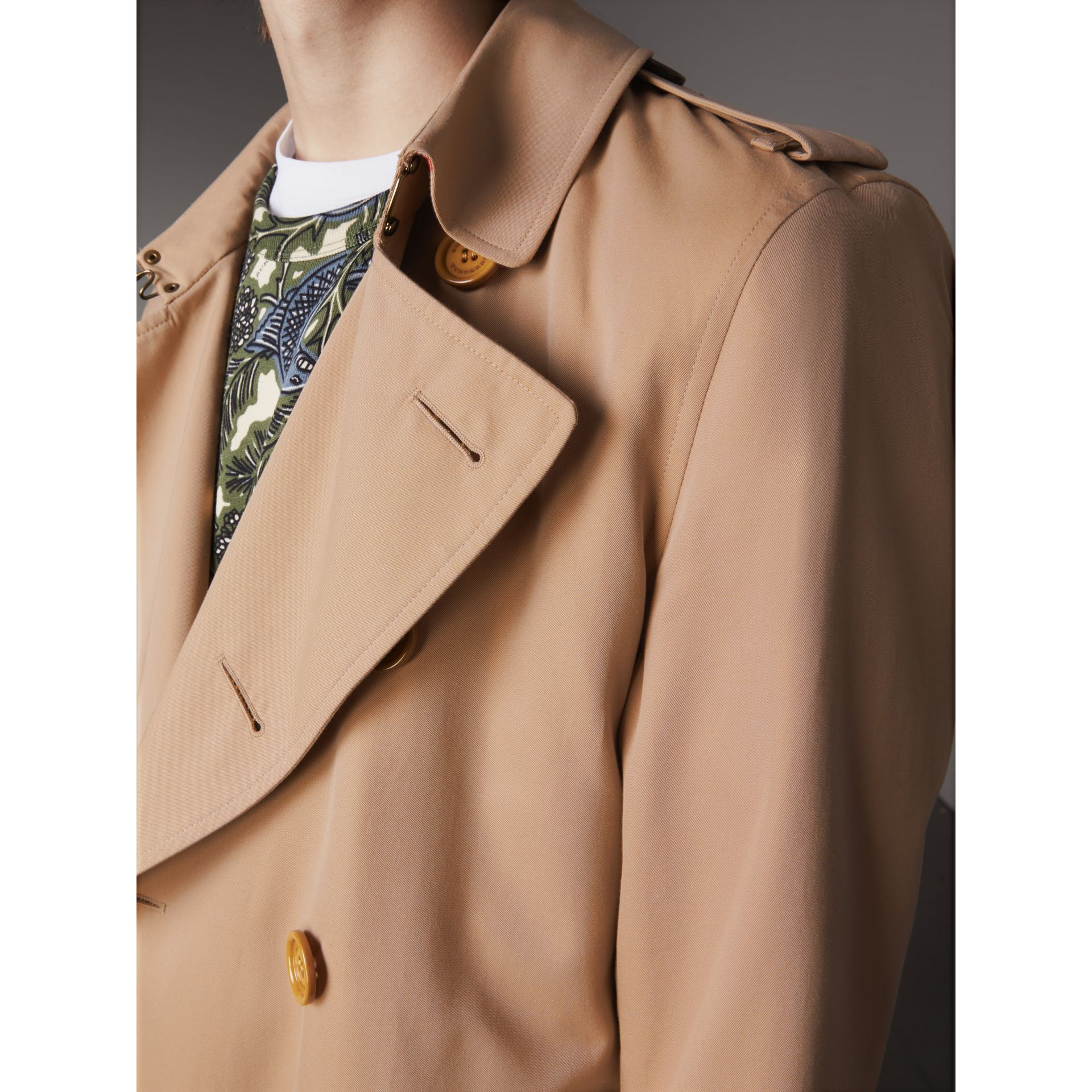 Extra-long Resin Button Cotton Gabardine Trench Coat in Honey - Men | Burberry - gallery image 4
