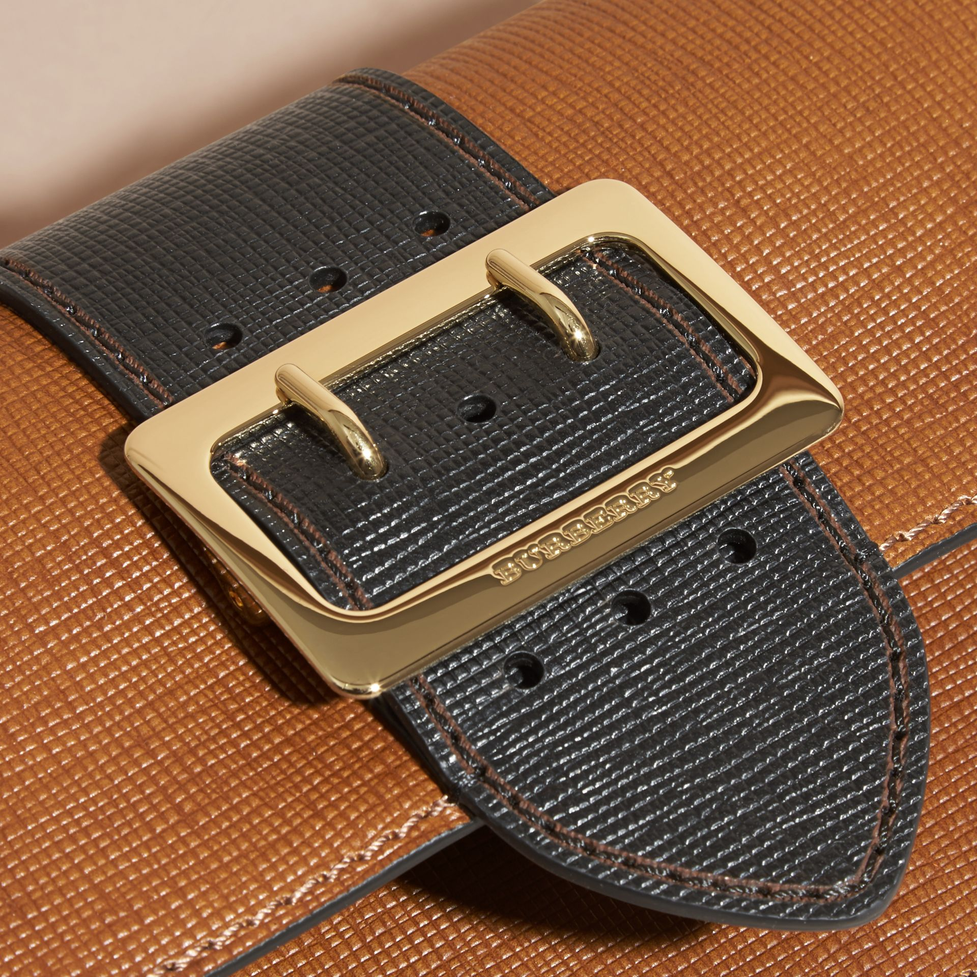 The Medium Buckle Bag in Textured Leather Tan/black - gallery image 2