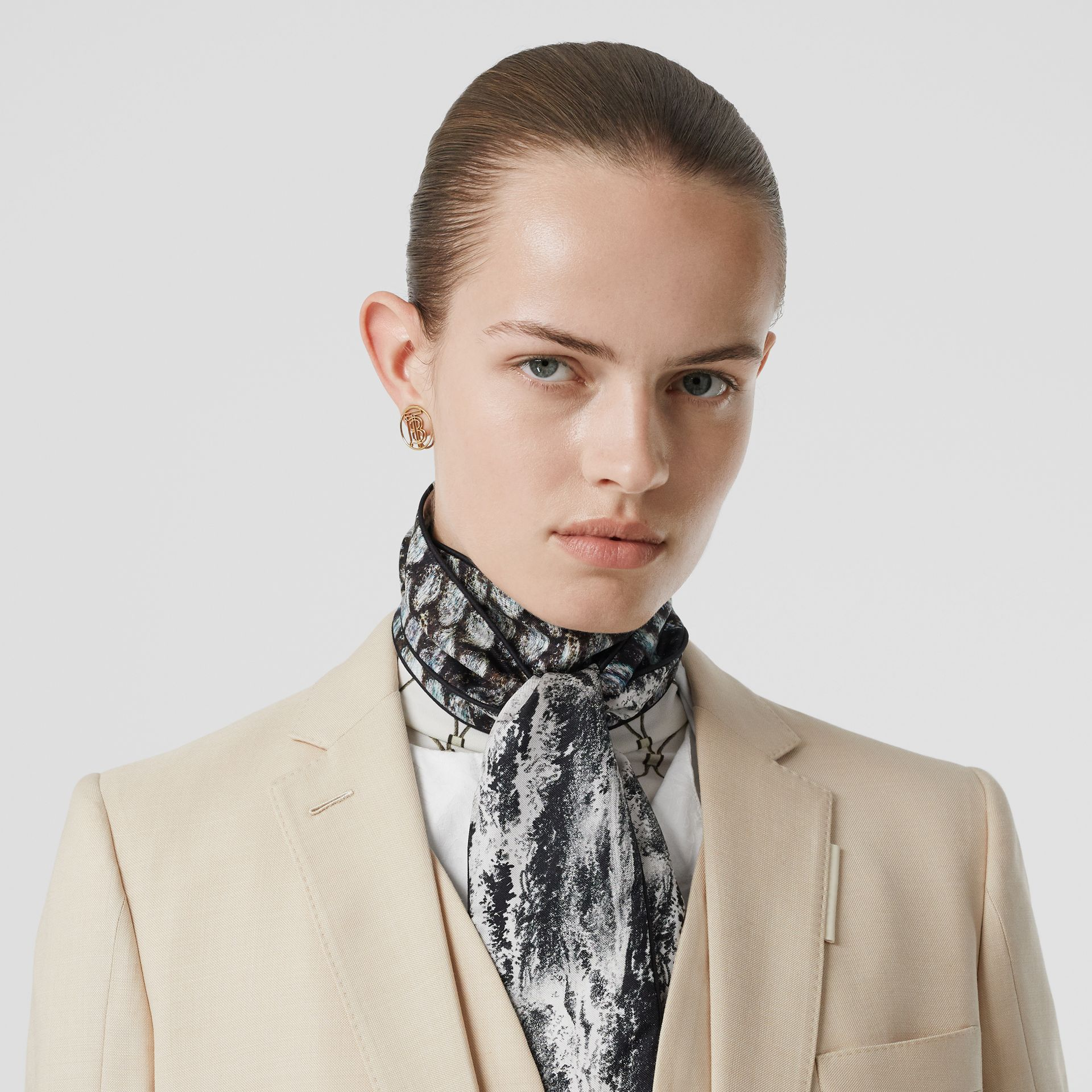 Sea and Fish-scale Print Silk Skinny Scarf in Grey | Burberry United States - gallery image 2