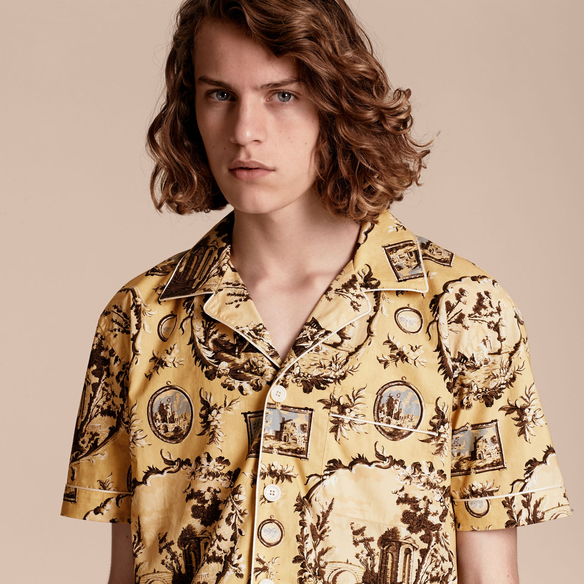Yellow barley Short-sleeved Castle Print Pyjama-style Shirt - gallery image 5