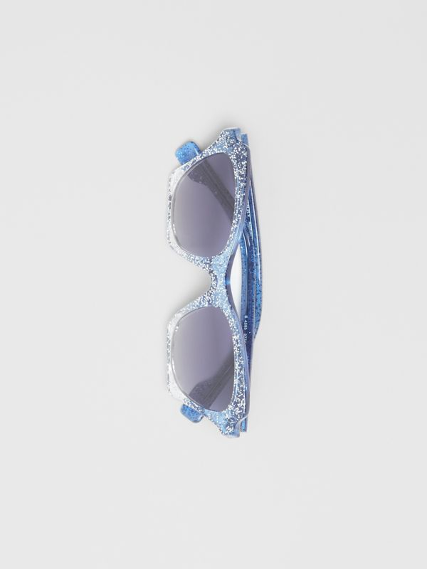 Butterfly Frame Sunglasses in Blue - Women | Burberry United Kingdom - cell image 3