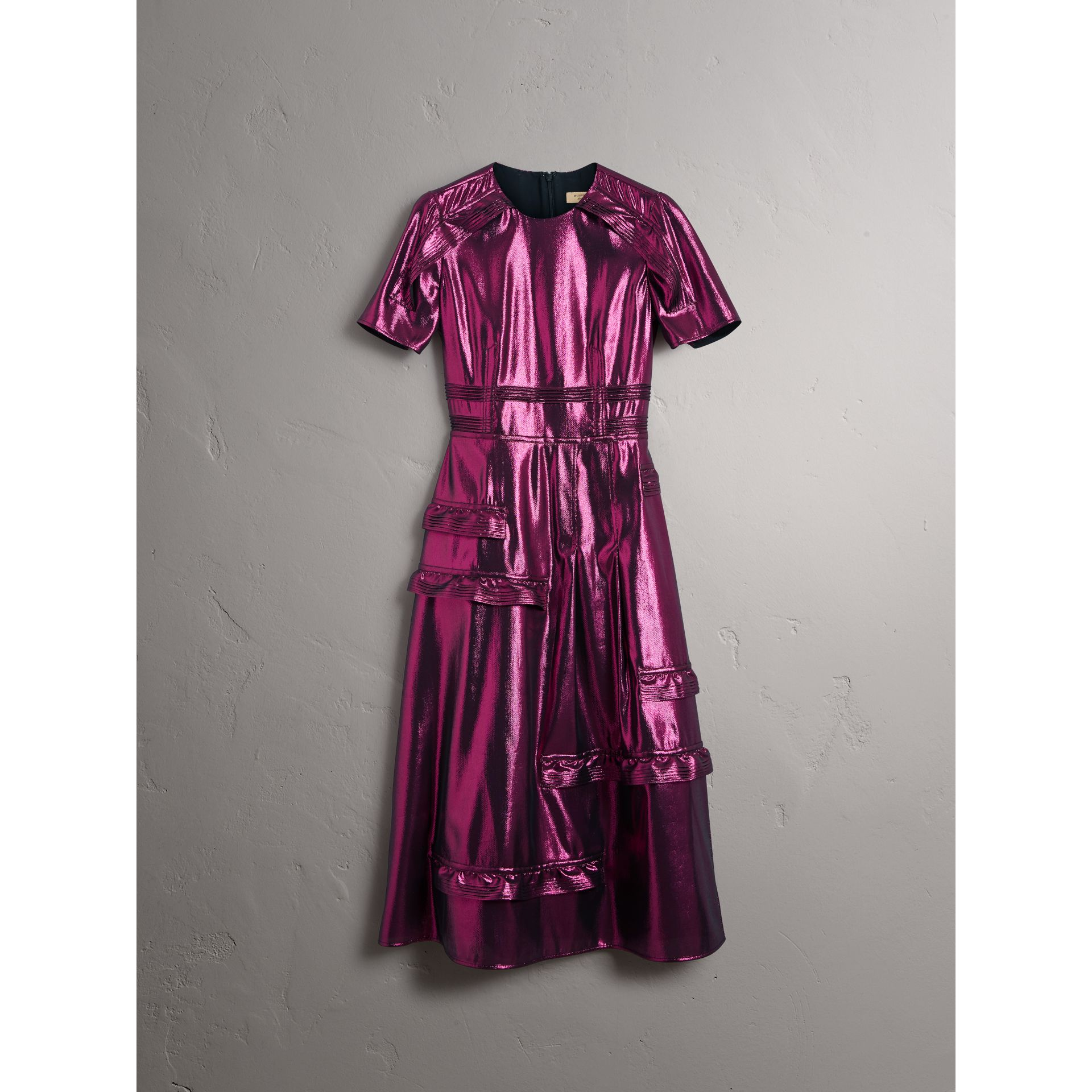 Short-sleeve Ruffle Detail Lamé Dress – Online Exclusive in Bright Fuchsia - Women | Burberry - gallery image 4