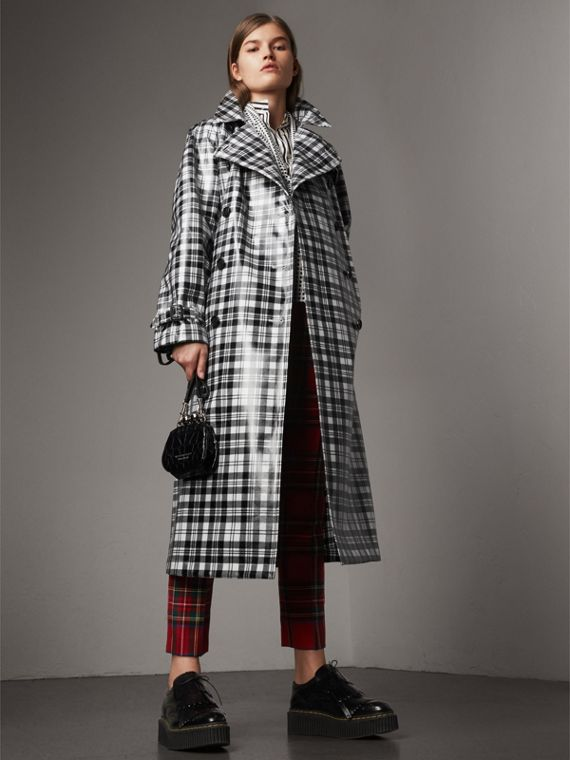Laminated Tartan Wool Trench Coat in Black/white