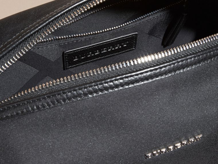 Black Leather Trim Washbag - cell image 4