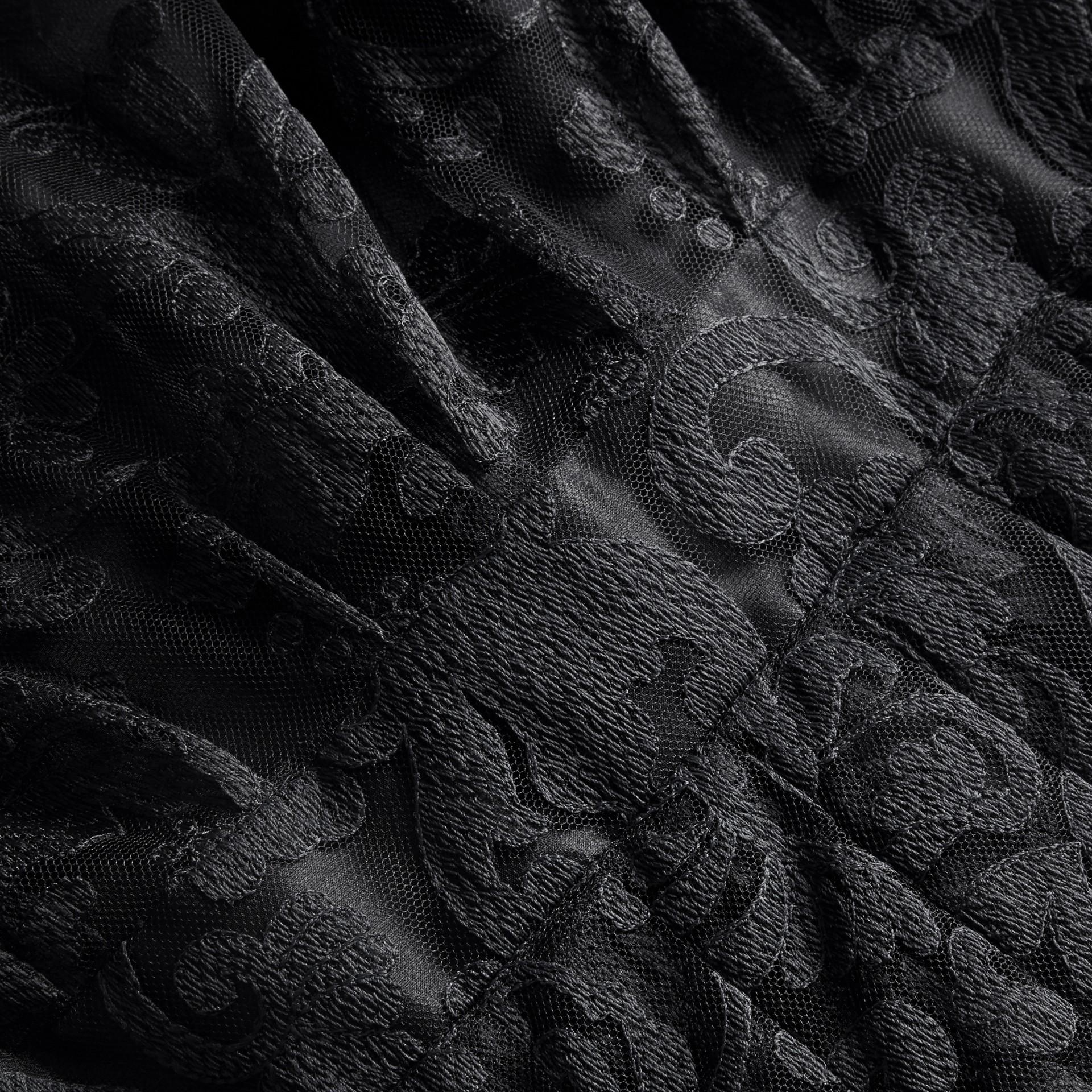 Noir Robe chemise en dentelle - photo de la galerie 2