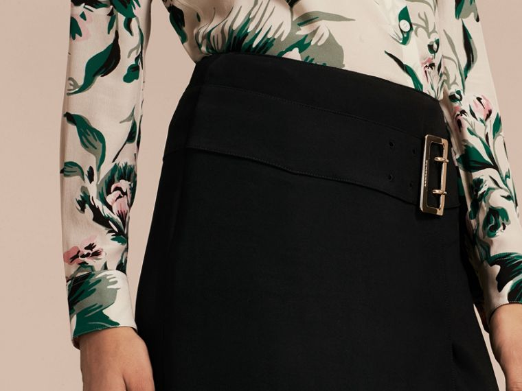 Black Belt Detail Technical Stretch Pencil Skirt - cell image 4