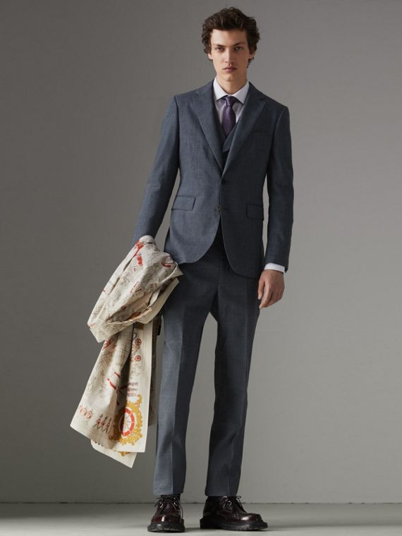 Soho Fit Three-piece Linen Wool Suit in Pale Slate Blue
