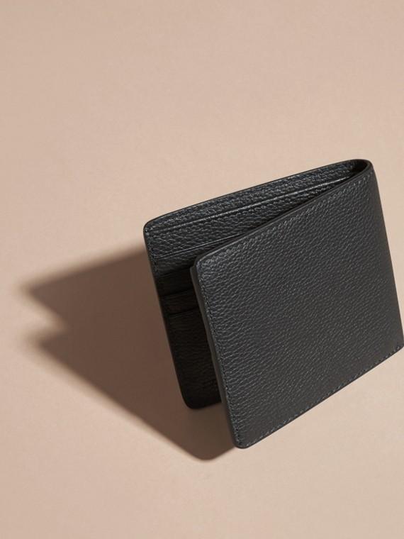 Черный Складной бумажник из кожи Черный - cell image 3