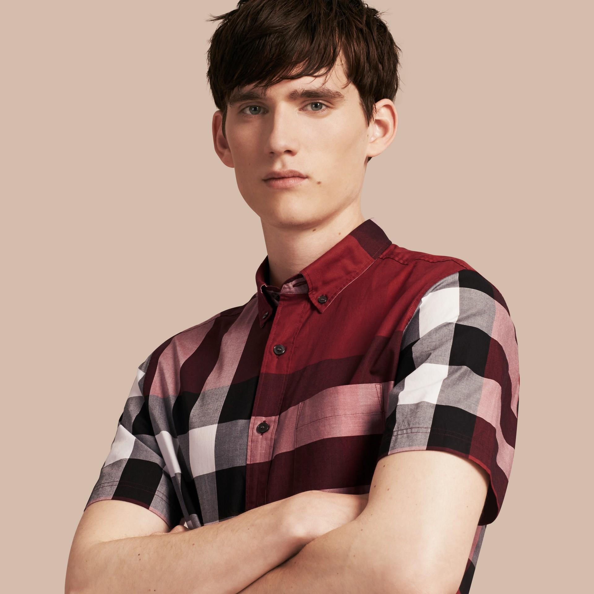 Rojo baya Camisa de manga corta en algodón con estampado de checks Rojo Baya - imagen de la galería 1