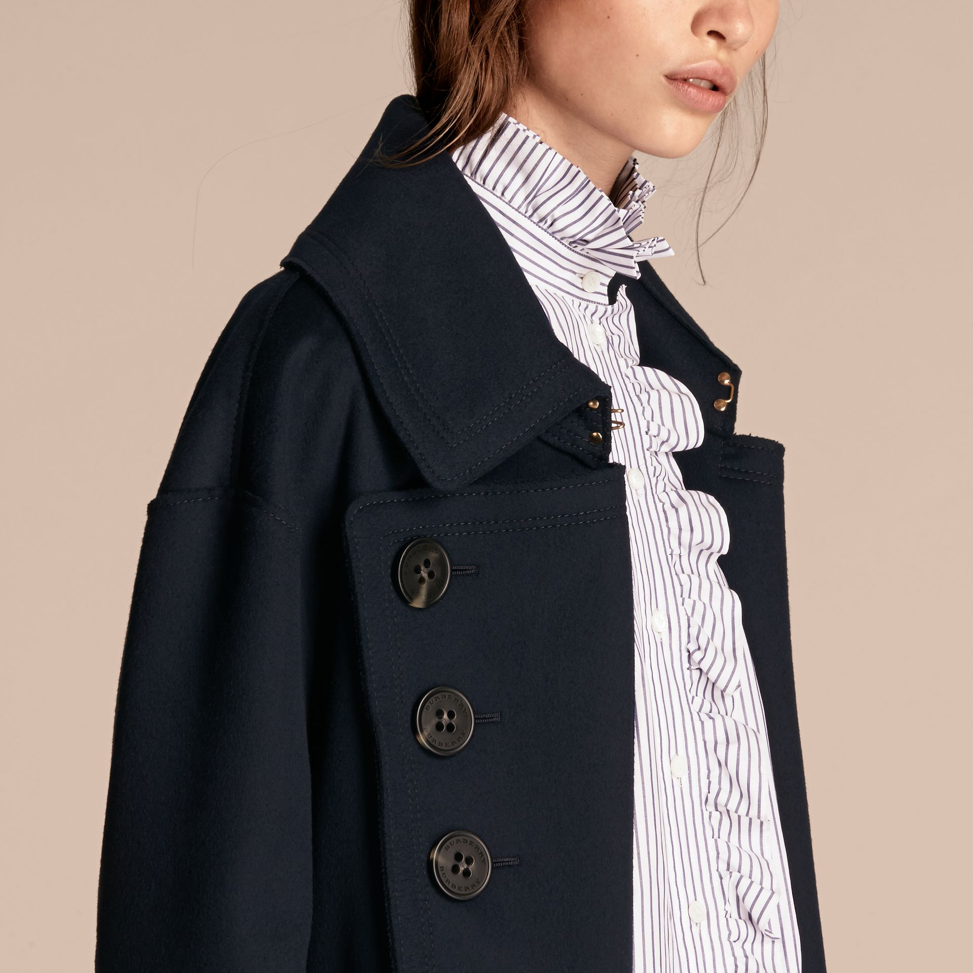 Marine Manteau oversize en laine de coupe longue - photo de la galerie 5