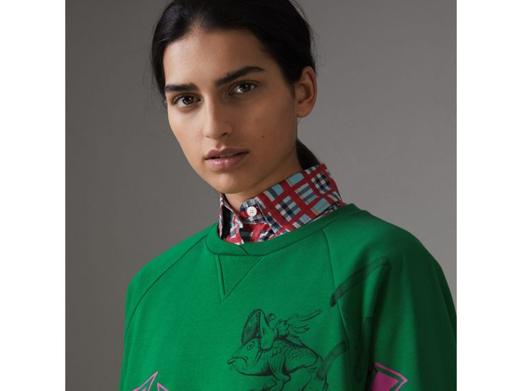 Fish and Chips Print Cotton Sweatshirt in Pigment Green - Women | Burberry Hong Kong - cell image 1
