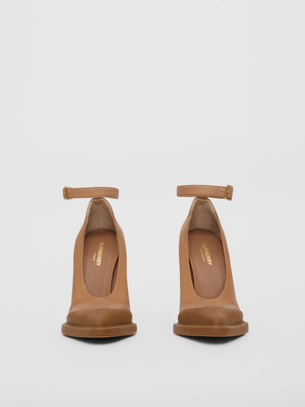 Toe Cap Detail Leather Point-toe Pumps in Soft Camel - Women | Burberry - cell image 2